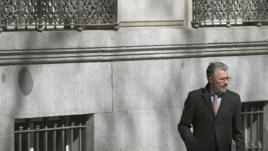 La juez aplaza sin fecha la declaración de Granados por querella de Cifuentes