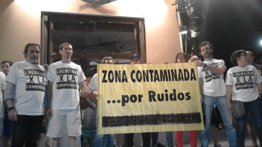 Vecinos de La Latina denuncian que los locales incumplen la normativa de ruidos