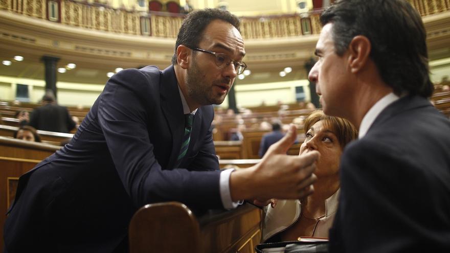 El PSOE exige a Rajoy que aclare quién dimitirá en el PP por los beneficios que su partido ha obtenido de la red Gürtel
