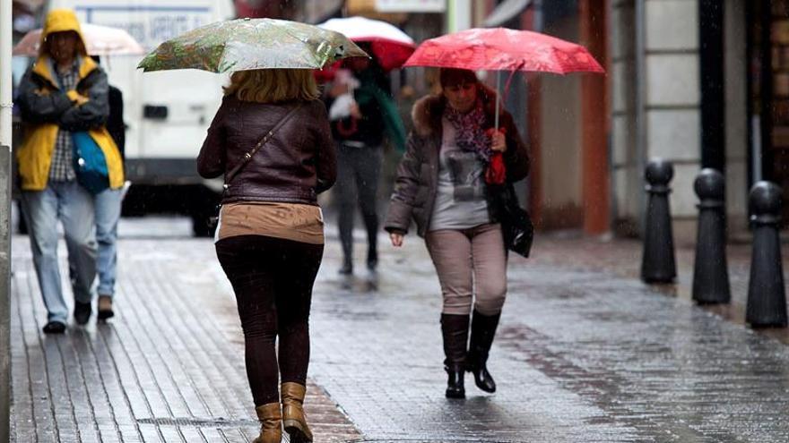 Sigue el aviso amarillo por lluvias y nieve en Tenerife y Gran Canaria