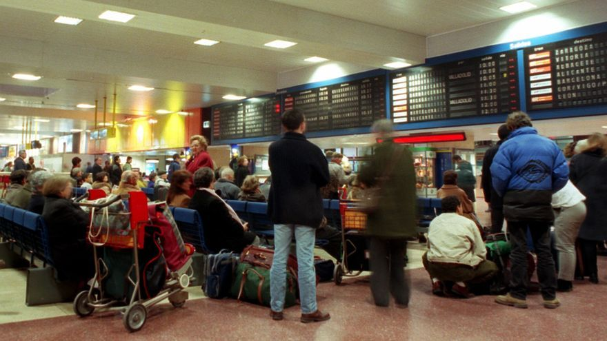 Fomento decreta servicios mínimos del 73 por ciento en trenes AVE y de larga distancia