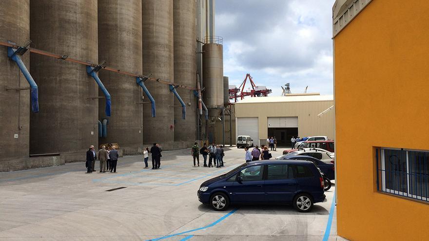 El grupo Haricana ha inaugurado este jueves las nuevas instalaciones de Graneros de Las Palmas en el Puerto de La Luz.