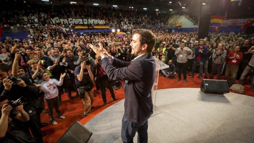 """IU llama a llenar el domingo las urnas de """"rebeldía"""" con """"votos rojos y votos de dignidad y coherencia"""""""