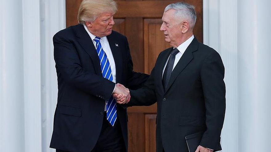 Trump elige a un exjefe militar en Oriente Medio para el Pentágono, según el Post