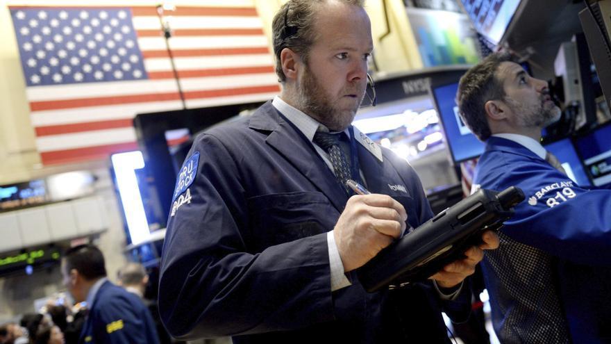 Wall Street indecisa a la espera de que empiece la temporada de resultados