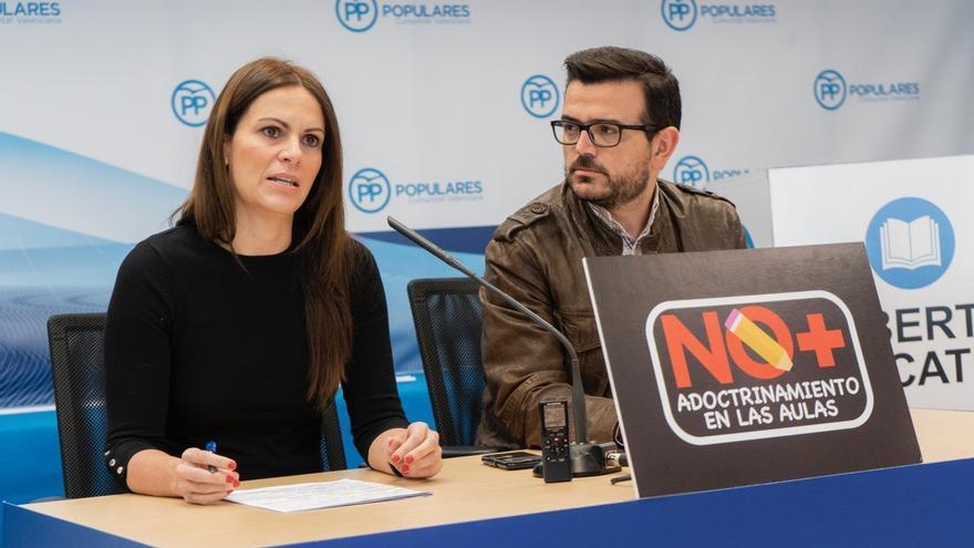 Beatriz Gascó, en la presentación de una campaña del PP contra el 'adoctrinamiento'