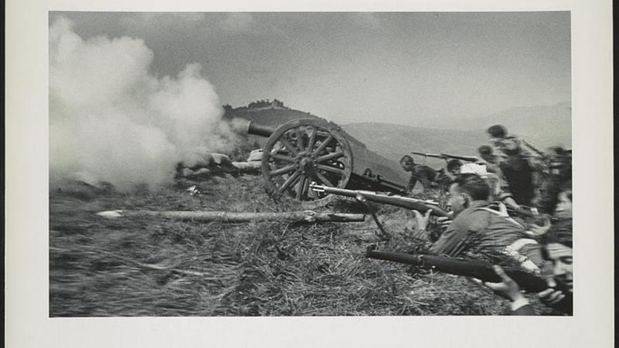 """La Guerra Civil Española de """"Chim"""", un tesoro fotográfico en Washington"""