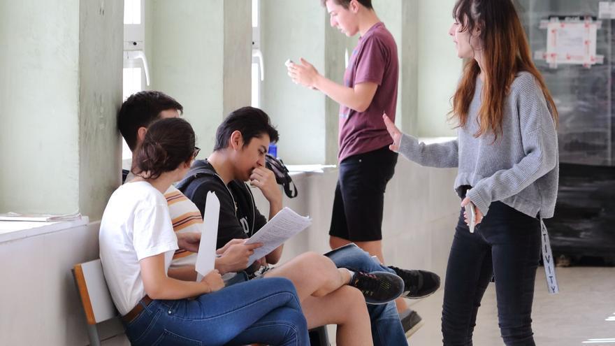 Gobierno difunde recomendaciones para la vuelta a casa de universitarios tras cancelar clases presenciales