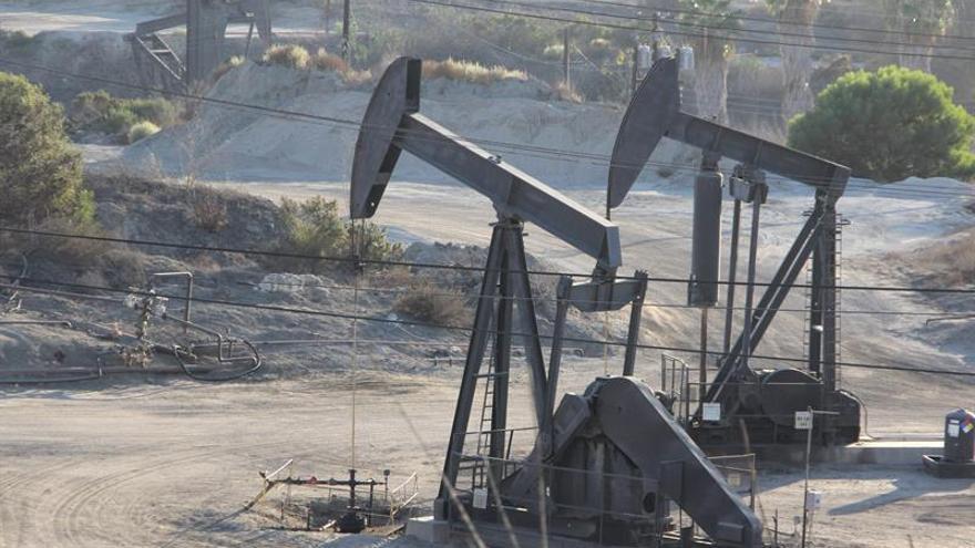 El petróleo de Texas abre con un fuerte ascenso del 1,80 % hasta los 46,85 dólares
