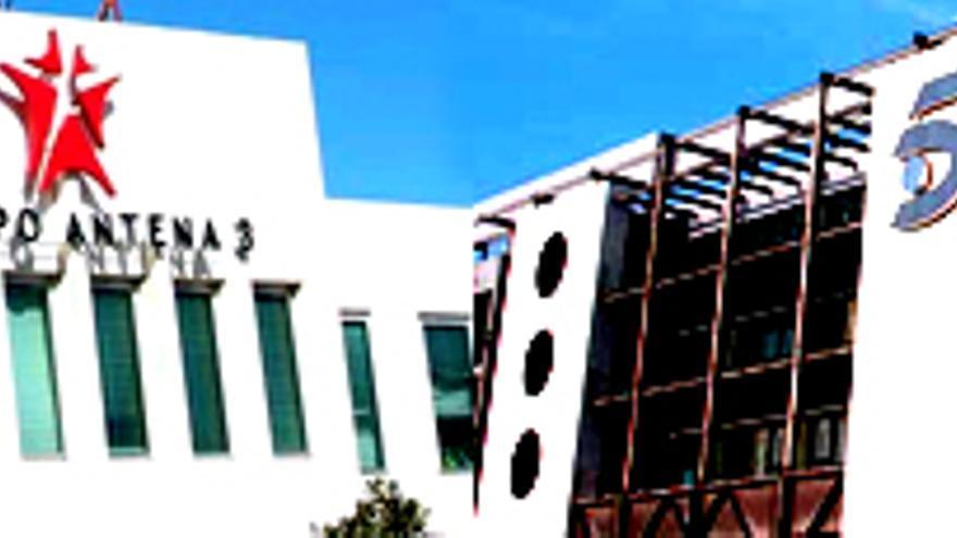 Mediaset y Antena 3 acusan la crisis: reducen sus ganancias un 54.6% y un 65.8%