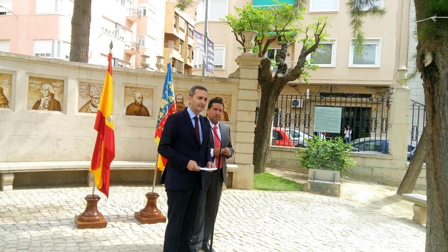 Sánchez y Moliner este jueves en el patio del Palau Provincial