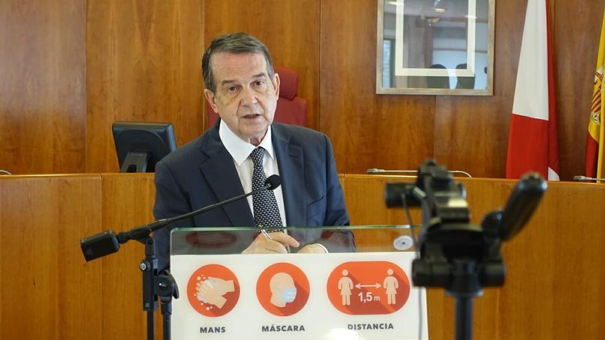 Archivo - El alcalde de Vigo, Abel Caballero, en rueda de prensa