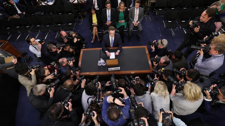 Mark Zuckerberg, momentos antes de su comparecencia ante el Congreso de EEUU.