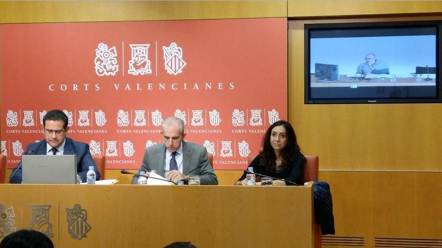 El conseller de Transparencia, Manuel Alcaraz, comparece por videoconferencia desde Alicante