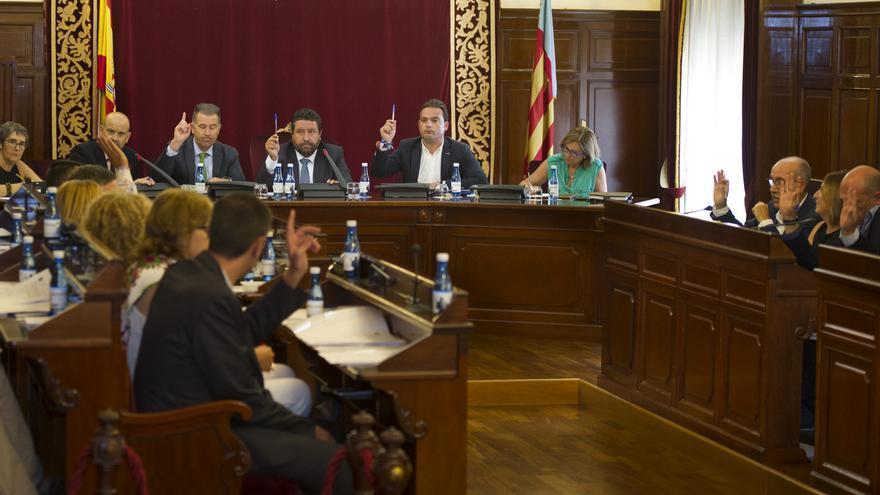 Los diputados muestran su respaldo a la moción