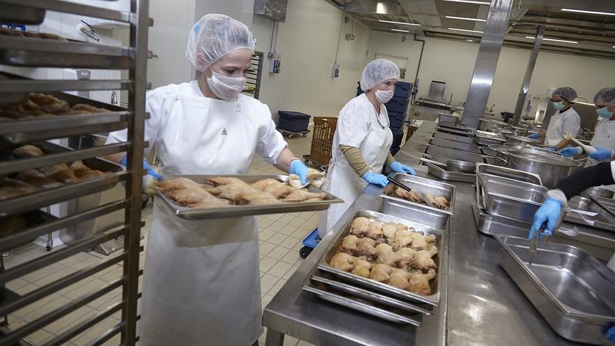 El Grupo Ausolan, de Corporación Mondragon, invierte cinco millones de euros en dos cocinas centrales nuevas