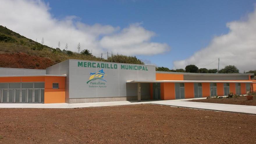En la imagen, mercadillo municipal de Puntallana, obra financiada con fondos Feader.