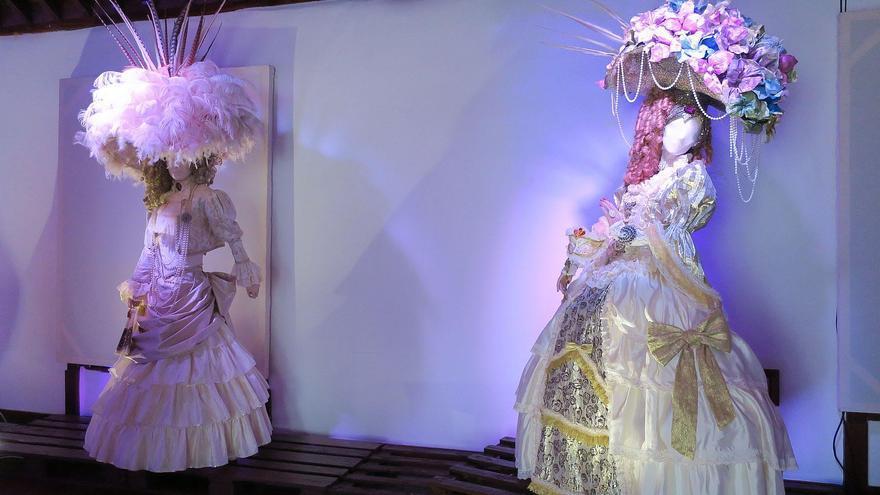 Dos espectaculares vestidos de Hortensio Valles.
