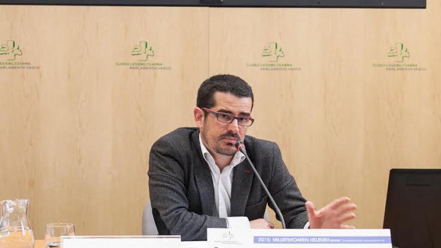 Ibon Galarraga en un momento de la conferencia organizada por Eurobask.