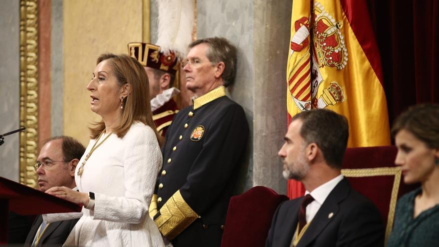 """Ana Pastor pide a los parlamentarios """"altura de miras"""" y """"no romper nunca"""" los puentes del entendimiento"""