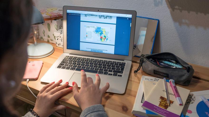 Cuatro de cada 10 alumnos que estudiaron online en pandemia no tenían medios