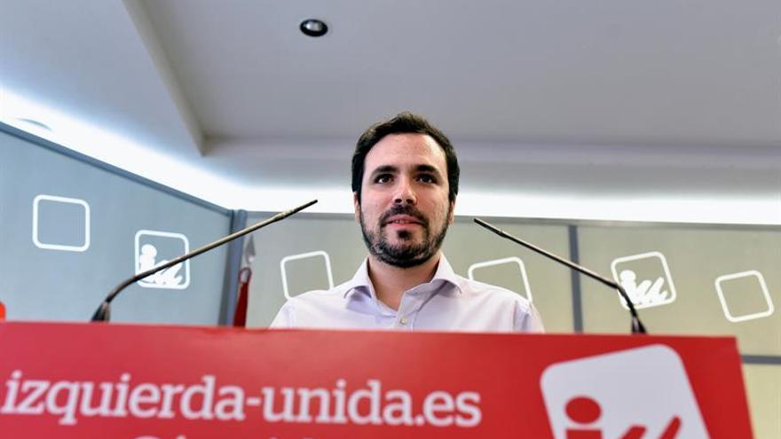 """Alberto Garzón cree que con la dimisión de Sánchez """"ha ganado"""" el PP"""