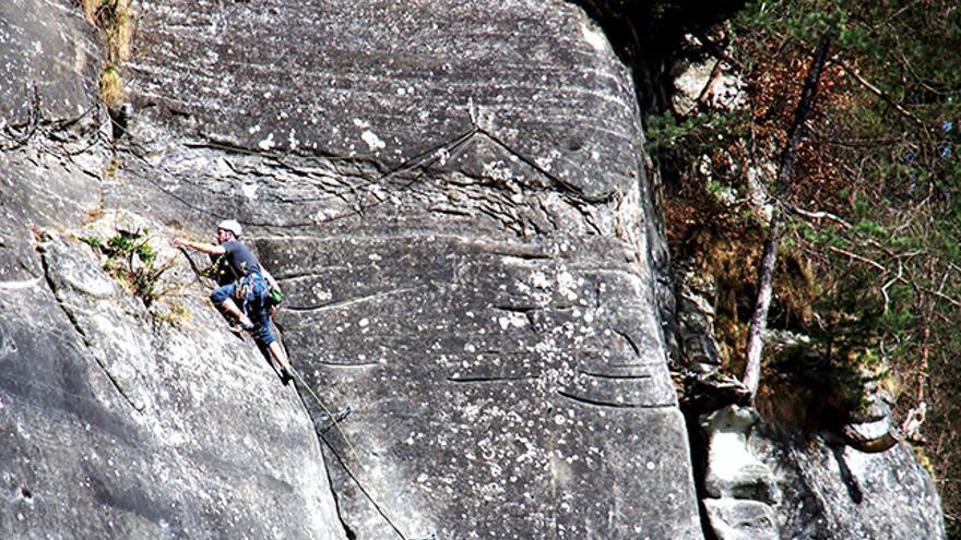 Técnica de escalada,alpinismo,montañismo,placas de adherencia,