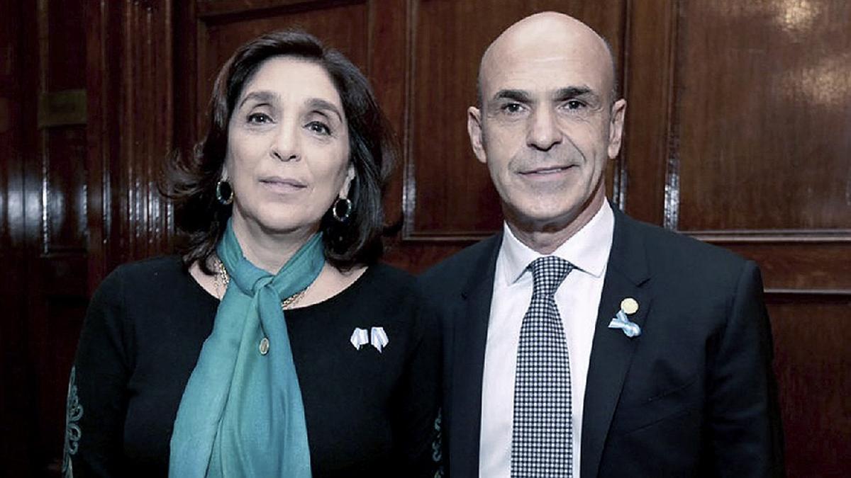 Procesan a Arribas y Majdalani por espionaje ilegal en provincia de Buenos Aires.