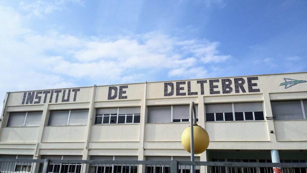 Al menos 30 personas han dado positivo a raíz del brote del instituto de Deltebre