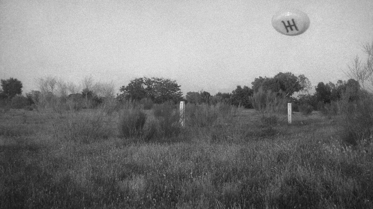 Una de las cinco fotografías realizadas de una supuesta nave ummita en San José de Valderas (España) el 1 de Junio de 1967
