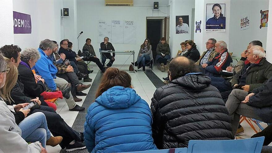 Un momento de una de las asambleas celebradas por Podem
