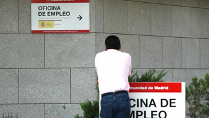 Parado en una oficina de empleo. (EUROPA PRESS)