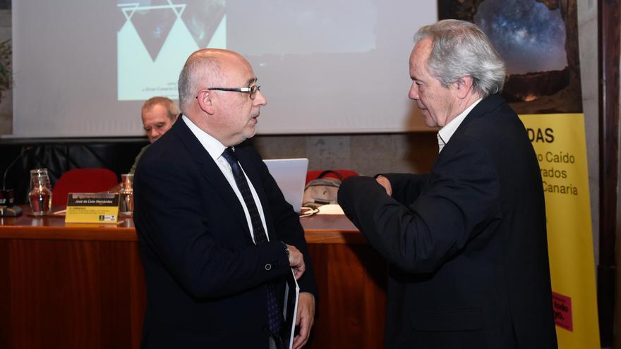 """Morales asegura que el proyecto de Risco Caído acerca al objetivo de recuperar """"el paisaje mítico y real"""" de las cumbres"""