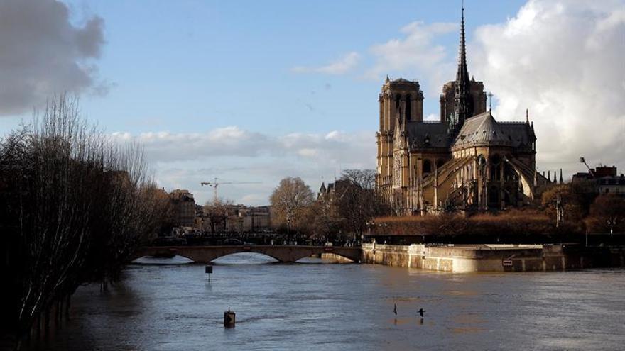 Moderan las previsiones de crecida del Sena a su paso por París