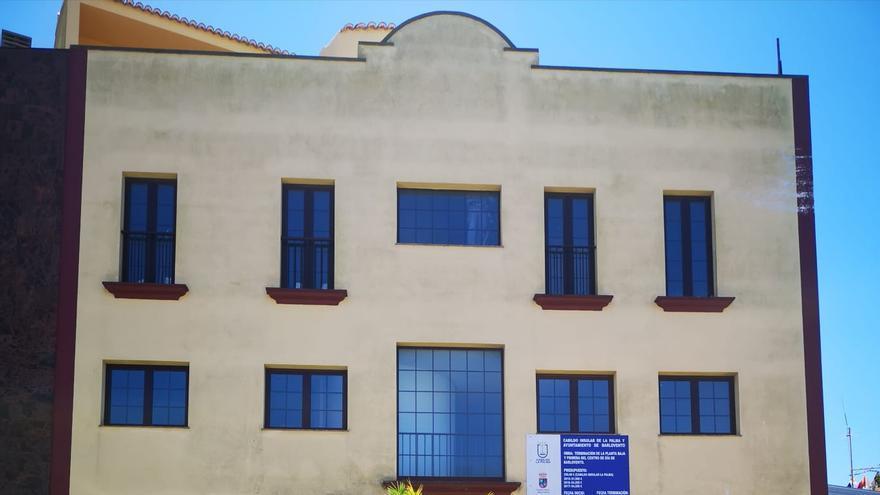 Fachada del Centro de Día donde se ubica la residencia.