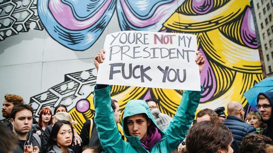 Nueva York vive con resignación y algunas protestas el día después de Trump