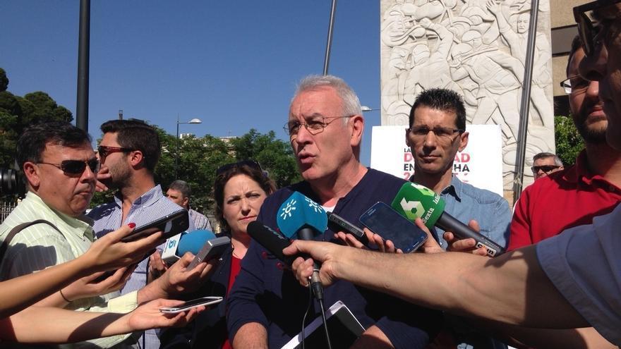 """Cayo Lara recuerda que la confluencia está """"en el ADN"""" de IU y niega cambios con Podemos tras la Asamblea Federal"""