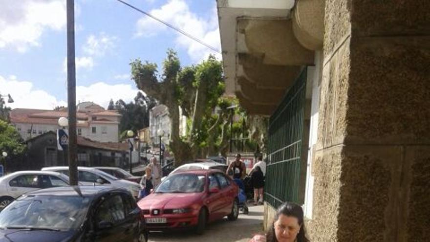 Una de las imágenes que, según el PSOE, prueban el acarreo de votos en Pontedeume
