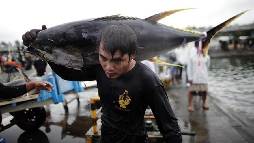El oscuro negocio de las atuneras en Filipinas