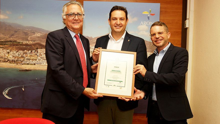 Azcárate, el alcalde de Arona y el concejal de Turismo