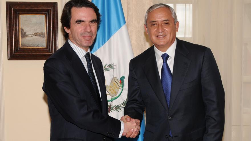 José María Aznar junto a Otto Pérez Molina en una imagen de archivo / Foto: jmaznar.es