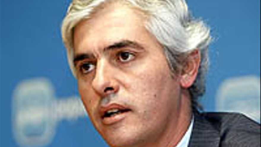 Carlos Sánchez: por donde pasa no vuelve a crecer la legalidad.