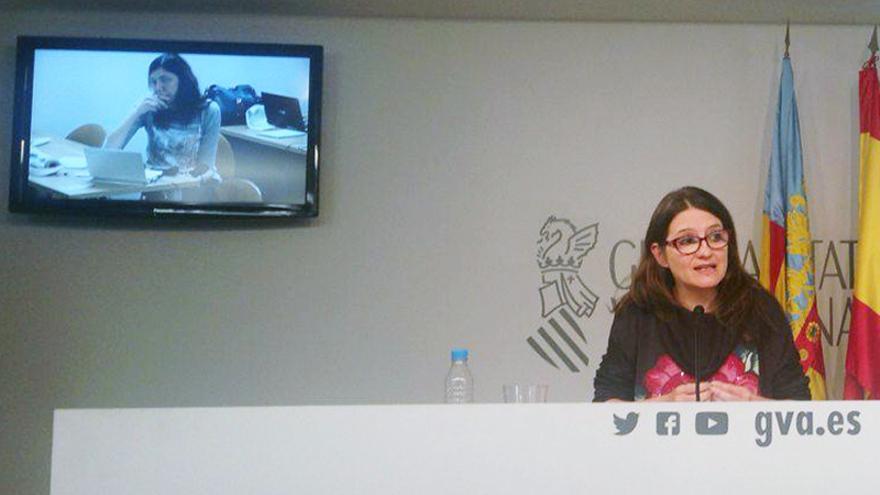 La vicepresidenta Mónica Oltra responde a las preguntas formuladas por los periodistas