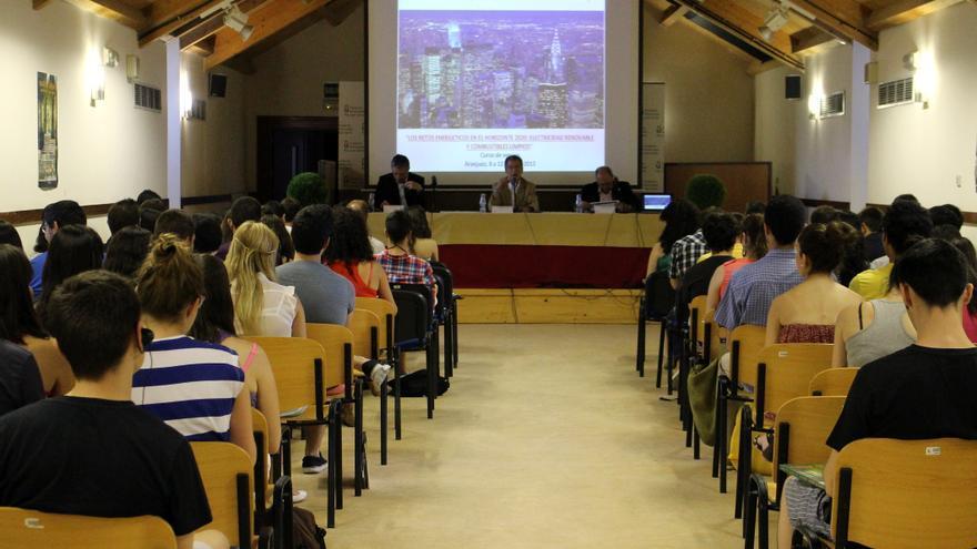 Un curso de verano de la Rey Juan Carlos en Aranjuez.