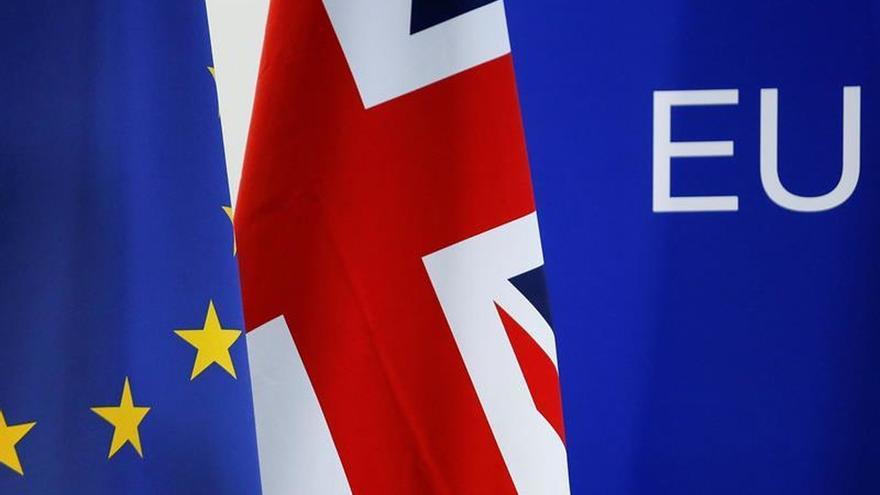 Johnson urge a los líderes comunitarios a avanzar en las negociaciones sobre el brexit