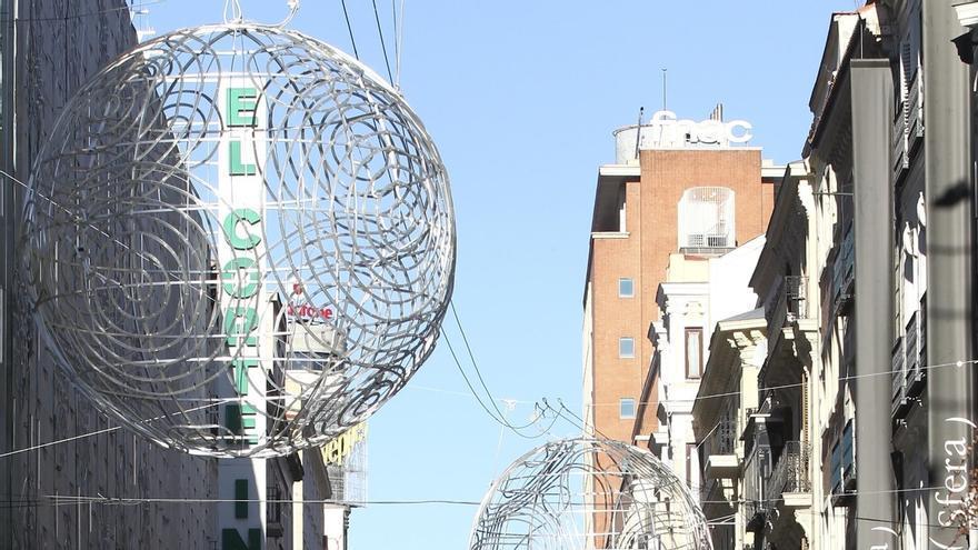 La calle que lleva de la Puerta del Sol a Times Square