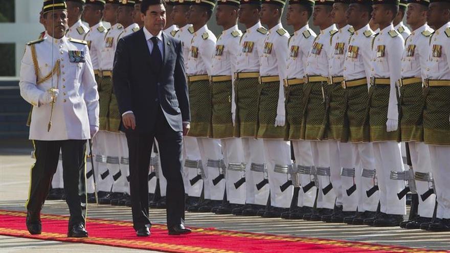 Berdimujamédov toma posesión como presidente de Turkmenistán