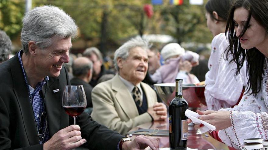 Piden que las bebidas alcohólicas lleven mensajes sobre el riesgo para salud