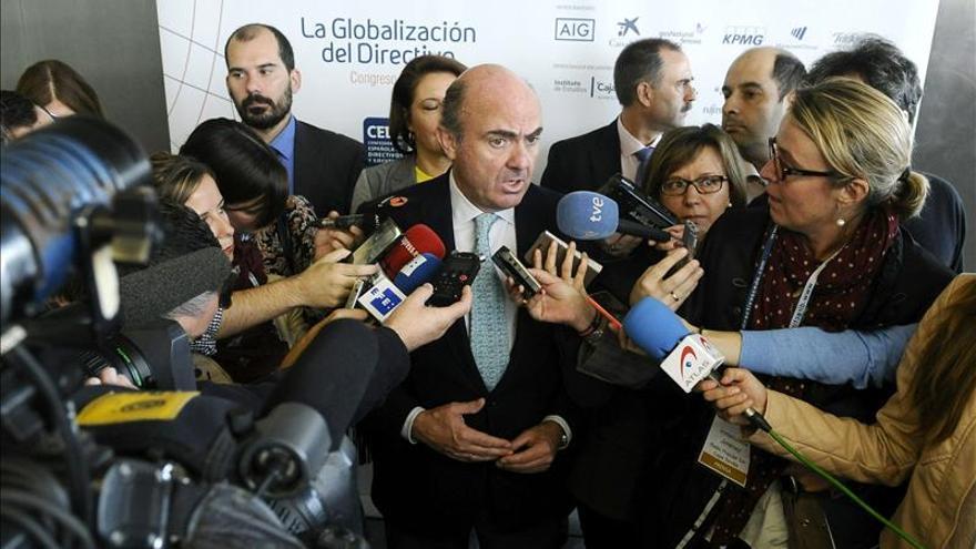"""De Guindos afirma que """"Europa será viento de popa para la economía española"""" en 2015"""