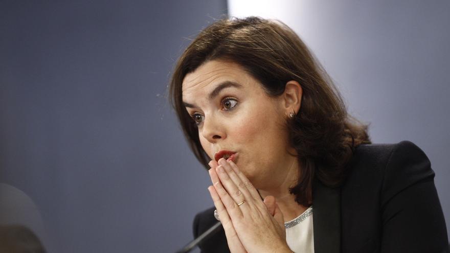 """El Gobierno apoya que PP, PSC y C's acudan al TC y avisa que en Cataluña """"se están cruzando todo tipo de líneas rojas"""""""